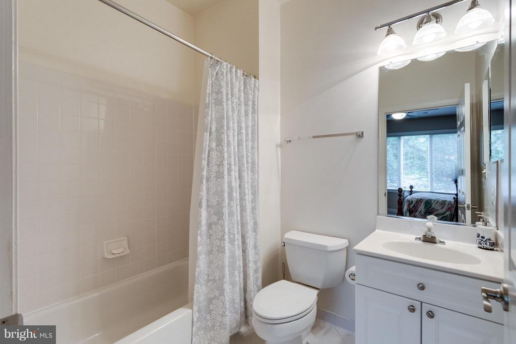 Neutral and immaculate - 3242 VALLEY LN, FALLS CHURCH
