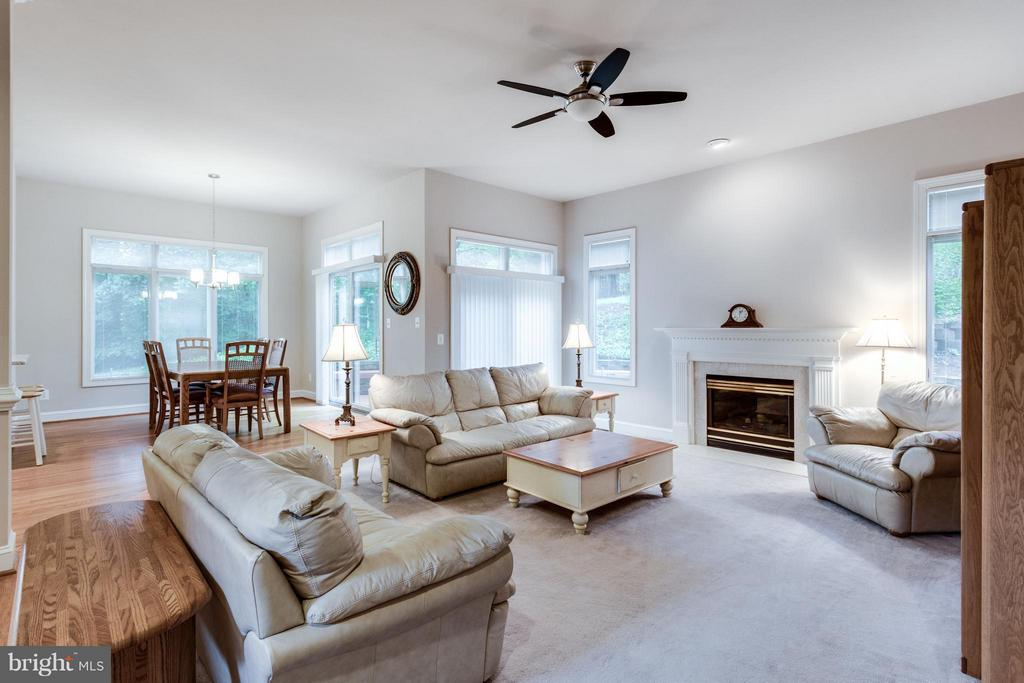 What a great place to relax and entertain - 3242 VALLEY LN, FALLS CHURCH