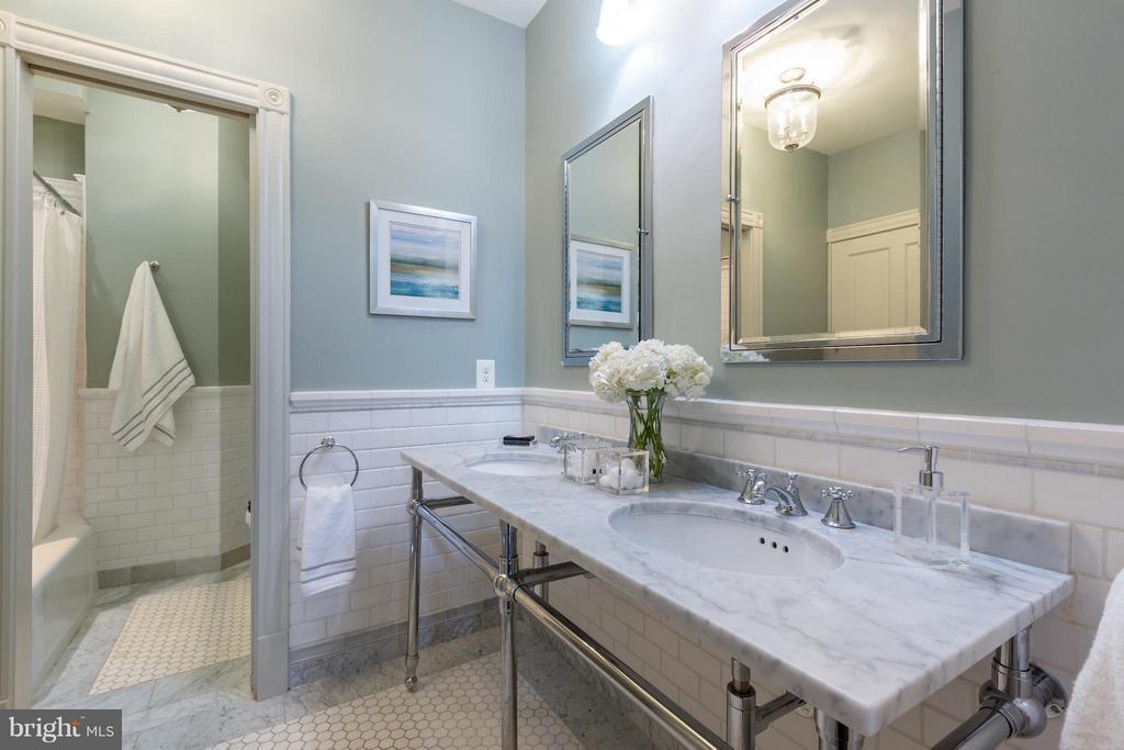 Bath - 1515 31ST ST NW, WASHINGTON