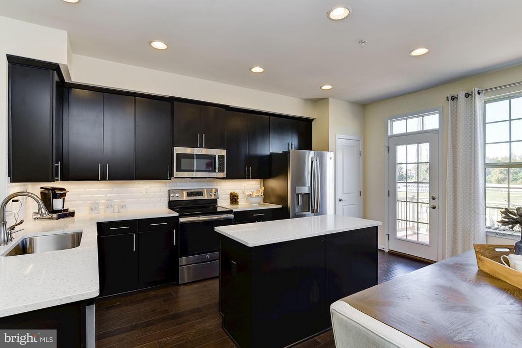 Kitchen - 8304 MINER ST #608B, GREENBELT