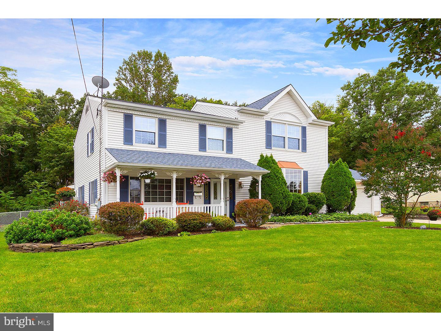 Photo of home for sale at 404 Thorny Lane, Glendora NJ