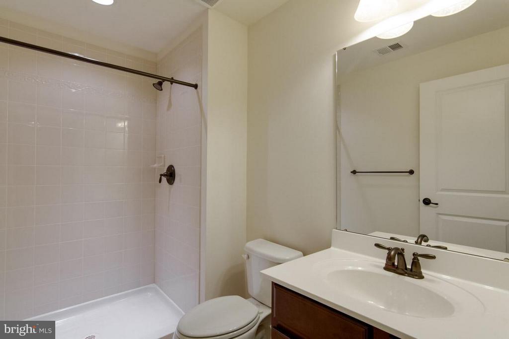 Basement Bath - 5 KETTLEBROOK CT, STAFFORD