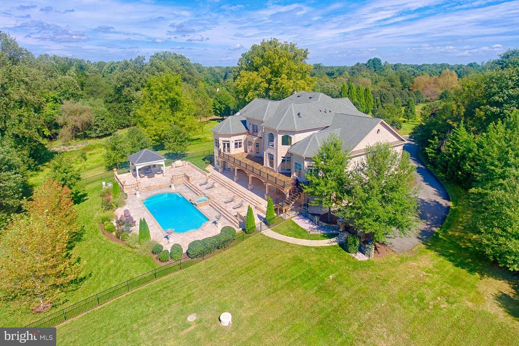 Ariel View of the Pool and Rear - 1532 CROWELL RD, VIENNA