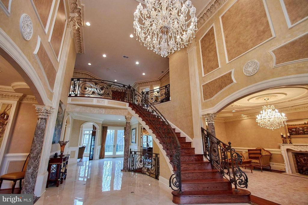 Grand Foyer - 1532 CROWELL RD, VIENNA