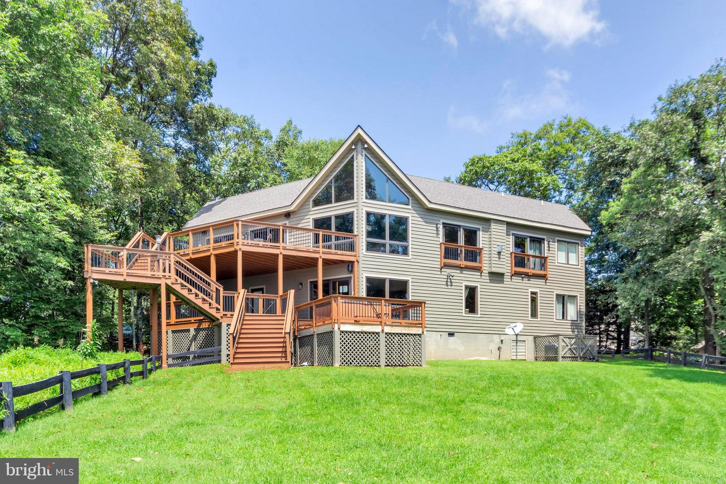 Single Family for Sale at 40 Timber Ridge Ln Roseland, Virginia 22967 United States