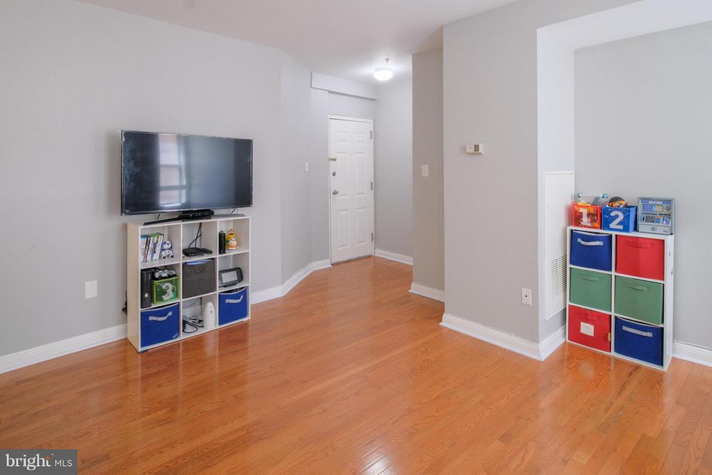 Living Room - 1436 W ST NW #204, WASHINGTON