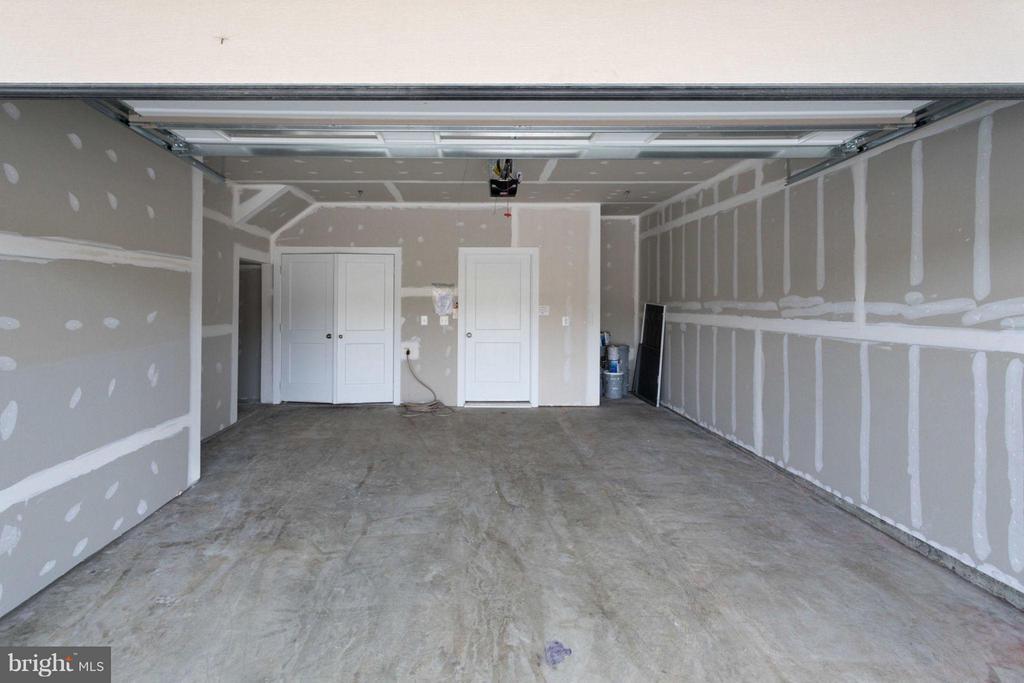 Garage - 20068 OLD LINE TER, ASHBURN