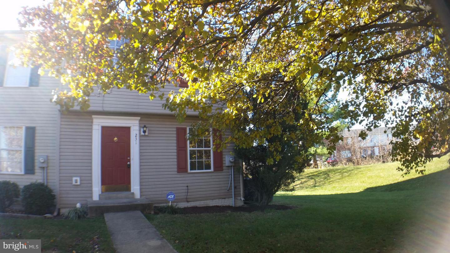 Other Residential for Rent at 231 Georgetowne Ct Stephens City, Virginia 22655 United States