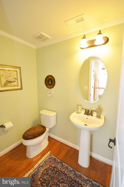 Half Bathroom - 21627 ROMANS DR, ASHBURN