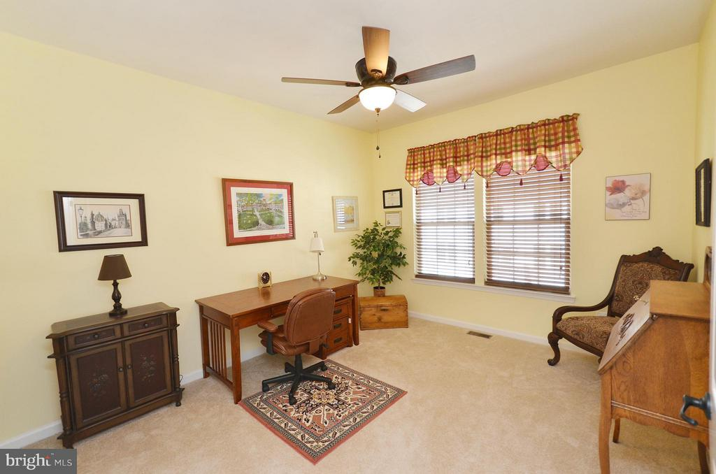 Great Sized Secondary Bedroom - 21627 ROMANS DR, ASHBURN