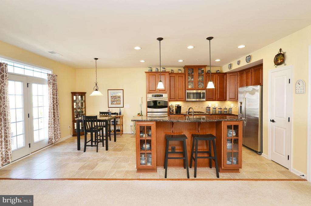 Gourmet Kitchen with Granite Counters - 21627 ROMANS DR, ASHBURN