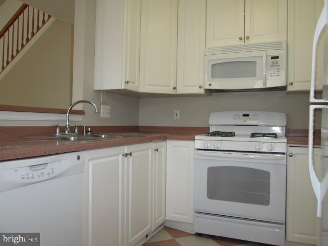 Kitchen - 43304 GREYSWALLOW TER, ASHBURN
