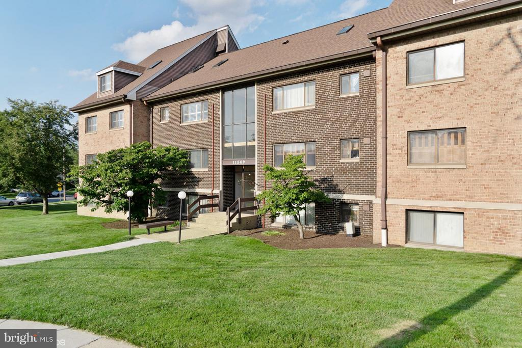 Exterior (Front) - 11509 AMHERST AVE #201, SILVER SPRING