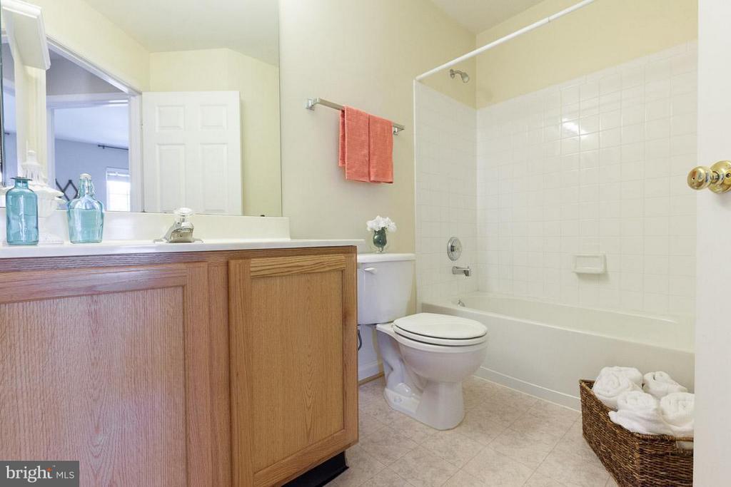 Upstairs full bath - 3626 SINGLETON TER, FREDERICK