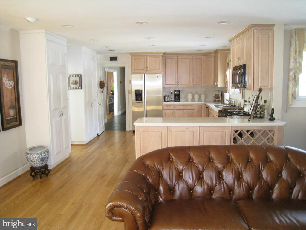 Family Room - 121 RIVER FOREST LN, FORT WASHINGTON