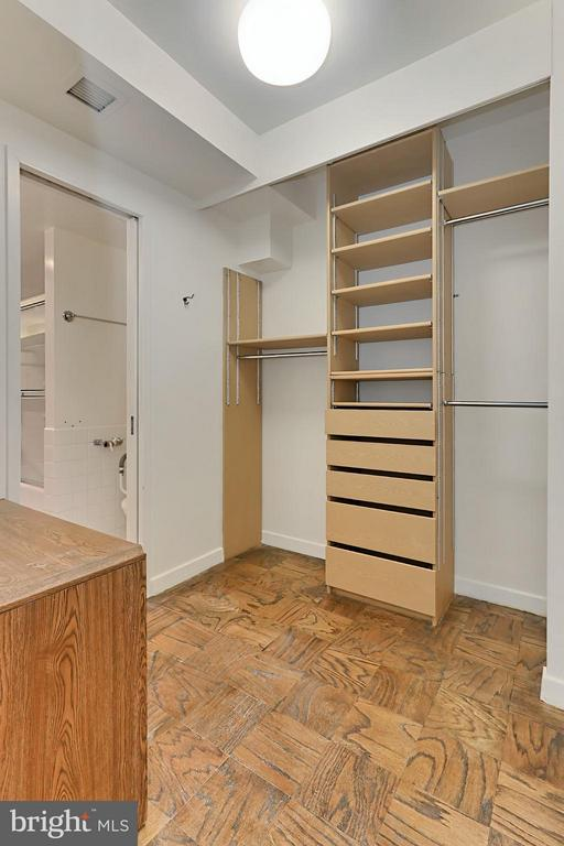Walk In Closet - 4100 CATHEDRAL AVE NW #1, WASHINGTON
