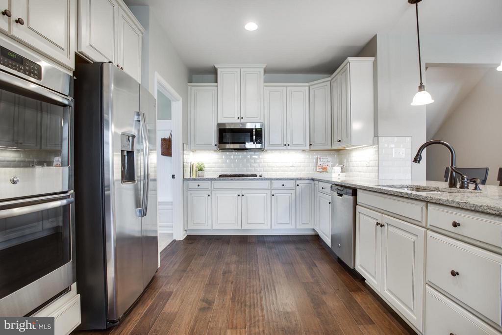 Kitchen - 1050 RIVER HERITAGE BLVD, DUMFRIES