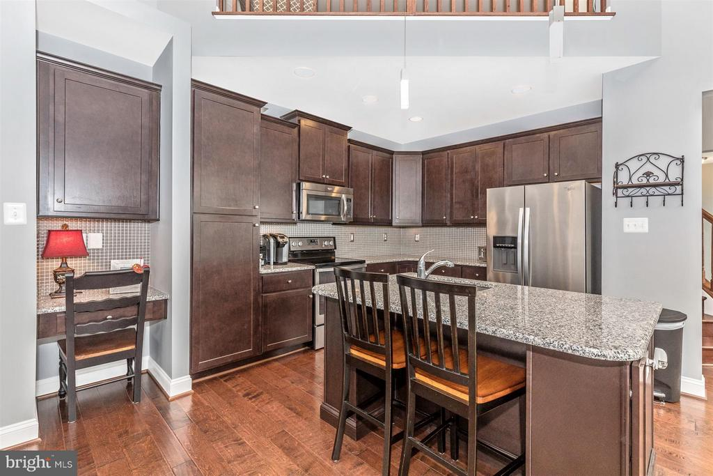 Stainless steel applicances. - 20118 ONEALS PL, HAGERSTOWN