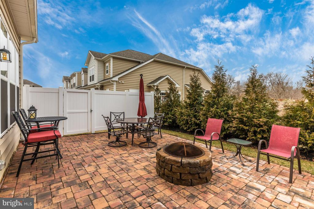Paver fire pit. - 20118 ONEALS PL, HAGERSTOWN