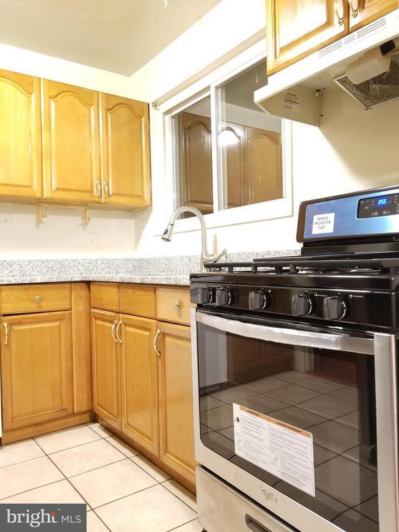 Kitchen - 4719 EDGEWOOD RD, COLLEGE PARK