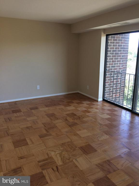 Bedroom (Master) - 9900 GEORGIA AVE #27-412, SILVER SPRING