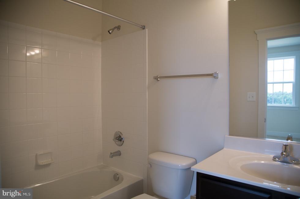 Bath - PRESIDIO PL, ROUND HILL