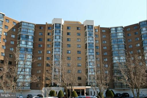 15100 Interlachen Dr #523, Silver Spring, MD 20906