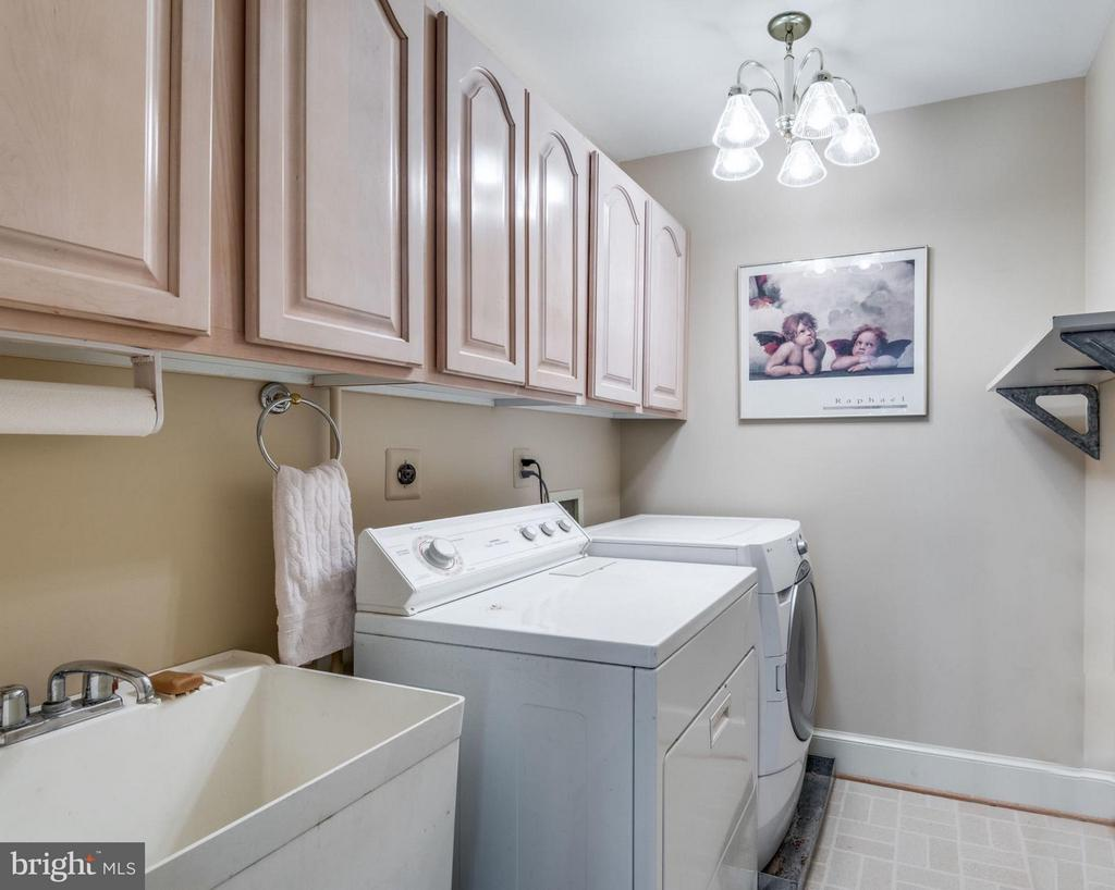 Upper Level Laundry Room - 47750 BRAWNER PL, STERLING