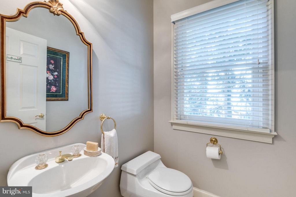 Main Bath / Powder Room - 47750 BRAWNER PL, STERLING