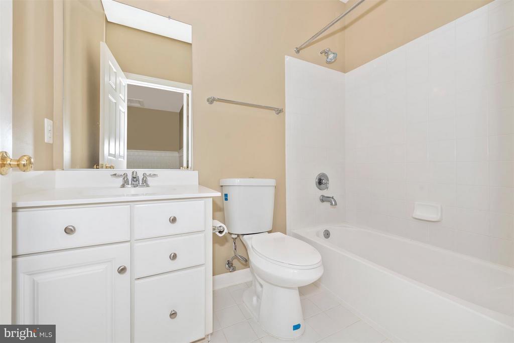 Bath - On Suite - 9111 CHARTERHOUSE RD, FREDERICK