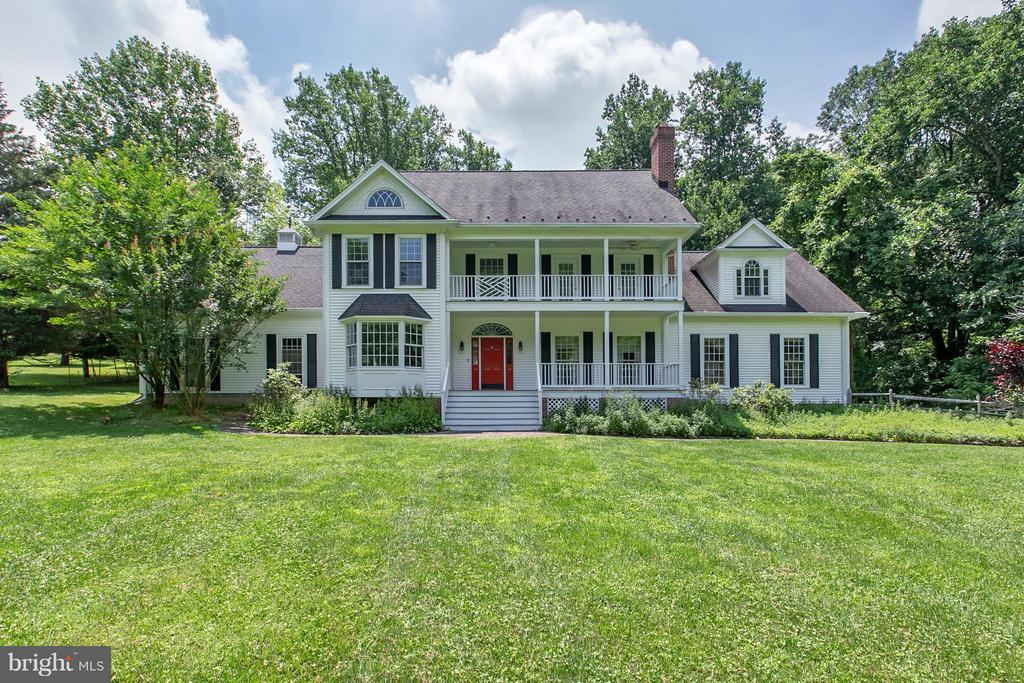 Updated Southern Colonial w/ Double Front Porch - 16808 OAK HILL RD, SILVER SPRING