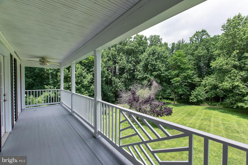 Covered Porch off MBR - 16808 OAK HILL RD, SILVER SPRING