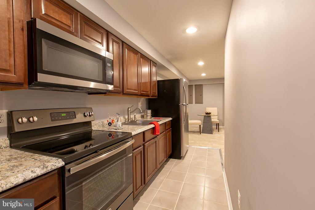 2nd Kitchen in Basement w/ Full Sized Appliances - 16808 OAK HILL RD, SILVER SPRING