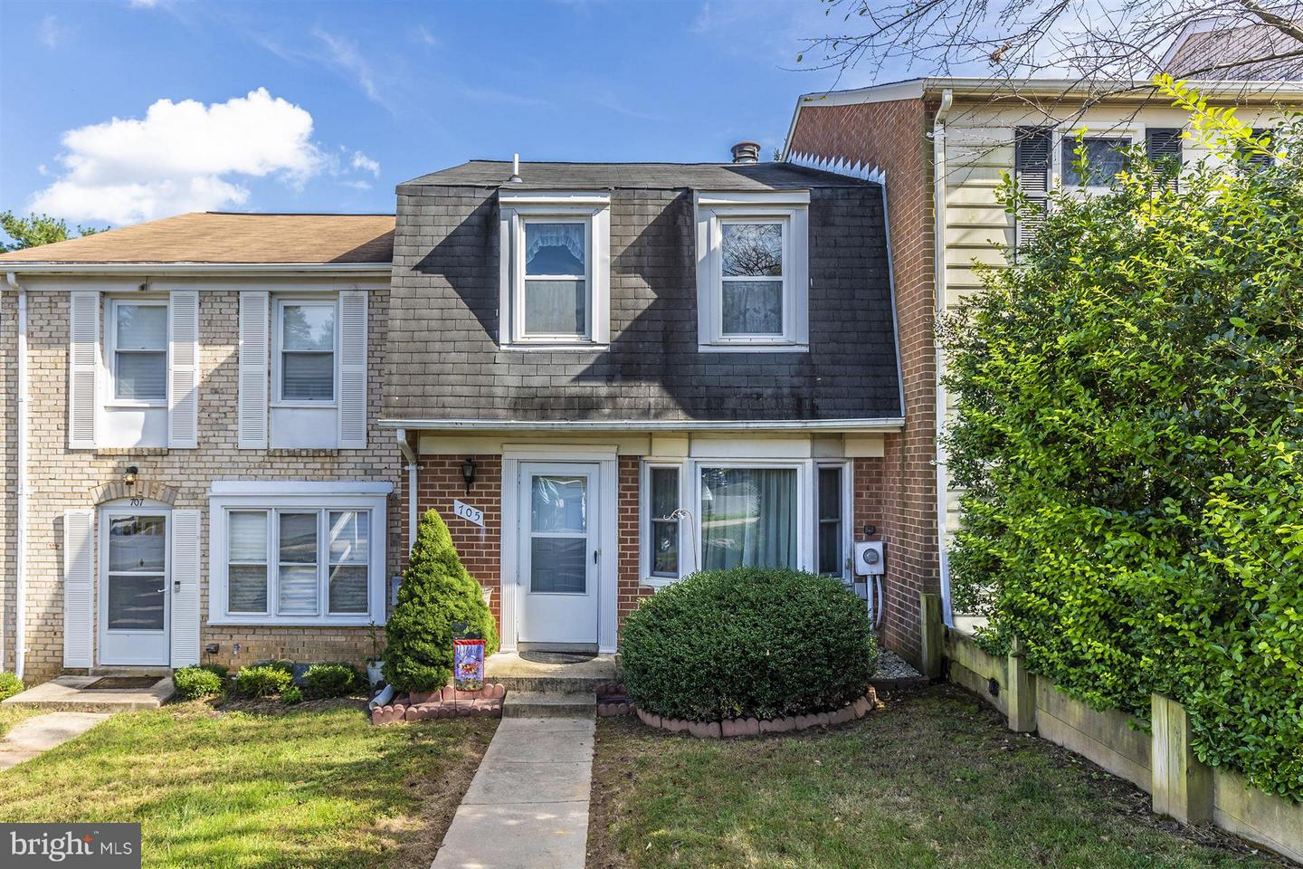 Photo of home for sale at 705 Robinwood Drive, Mount Airy MD