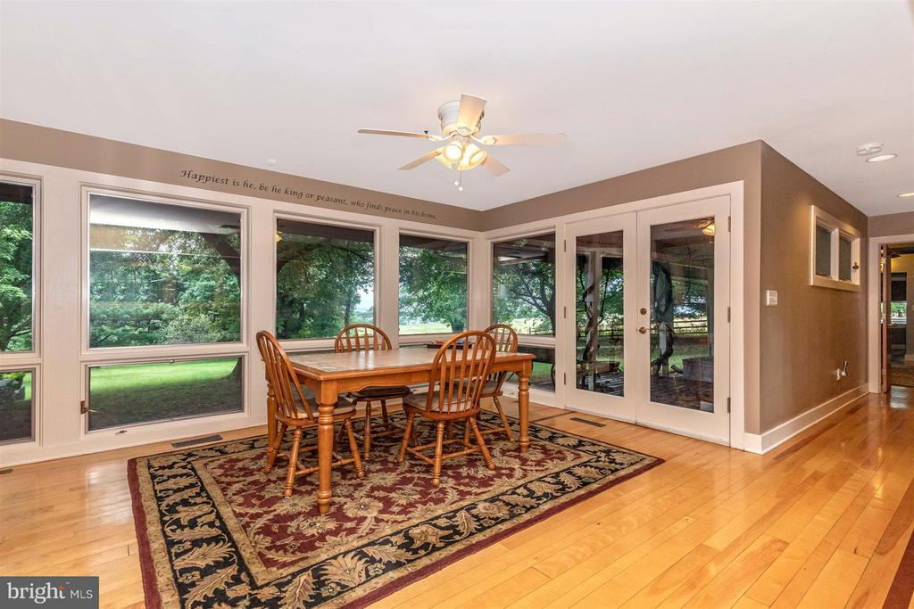 Eat-In Kitchen Table Space - AmazIng Views - 6303 WINPENNY DR, FREDERICK
