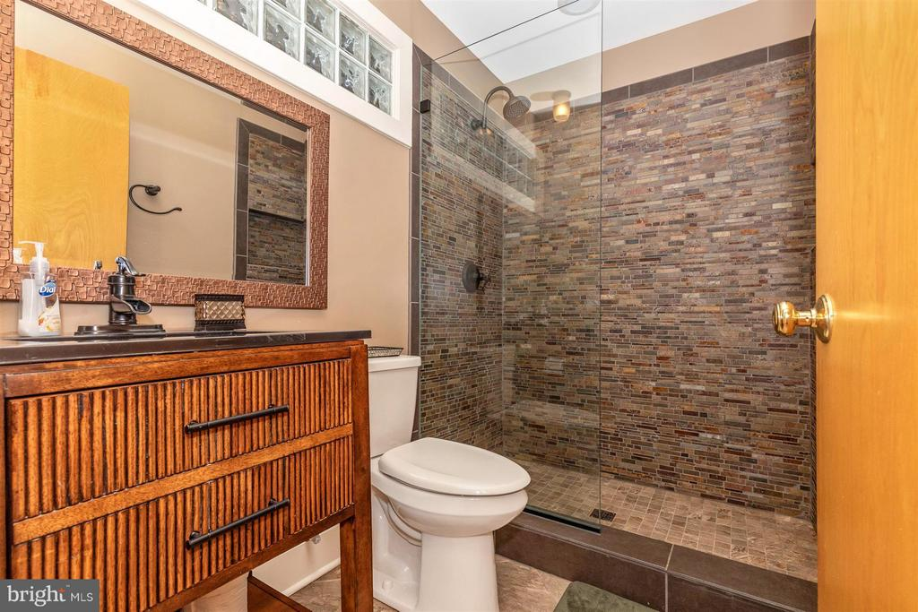 Second Floor - Full Bathroom - Unique Finishes - 6303 WINPENNY DR, FREDERICK