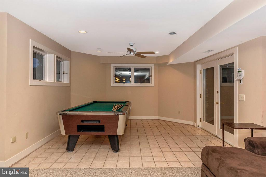 Basement Rec Space - Walk Up Stairs to Backyard - 6303 WINPENNY DR, FREDERICK