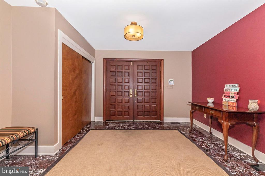 Inviting Entry Foyer with Large Closet - 6303 WINPENNY DR, FREDERICK