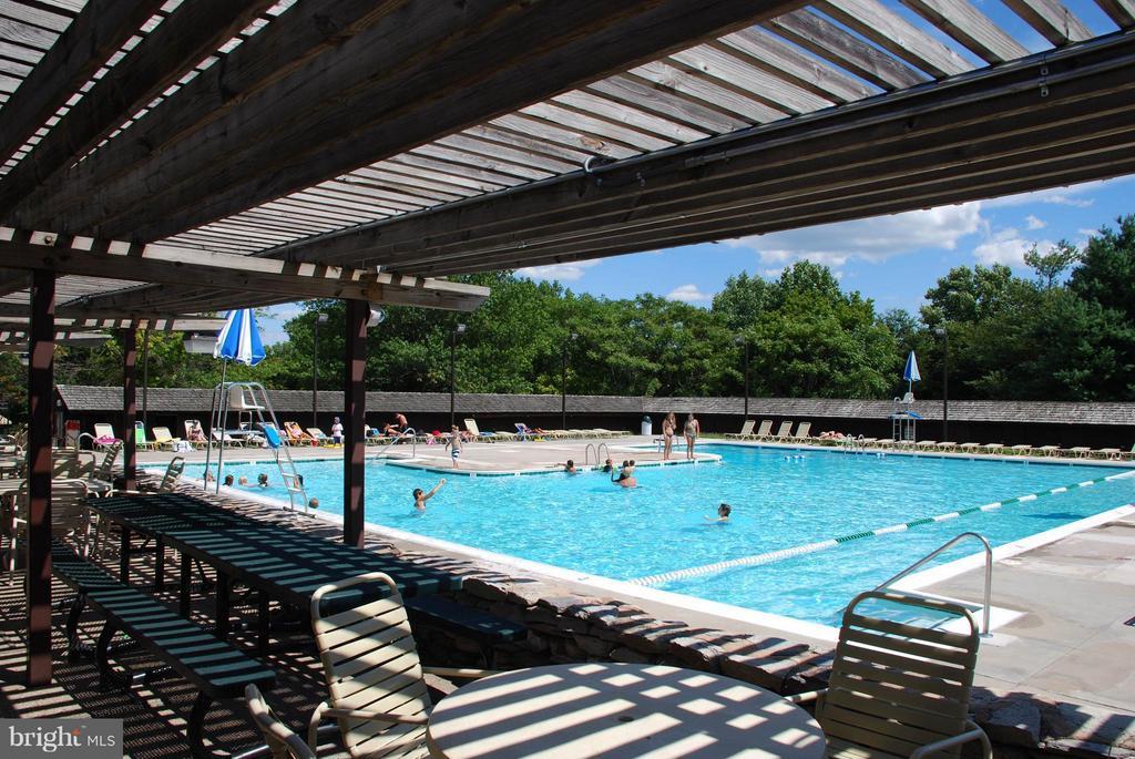 Pools! - QUICK MOVE IN MOZART, NEW MARKET