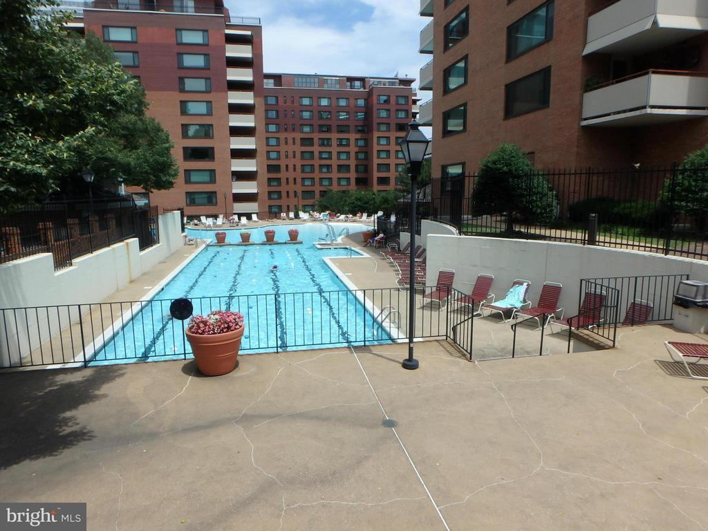 POOL WITH WORK OUT LANES - 1021 ARLINGTON BLVD #240, ARLINGTON
