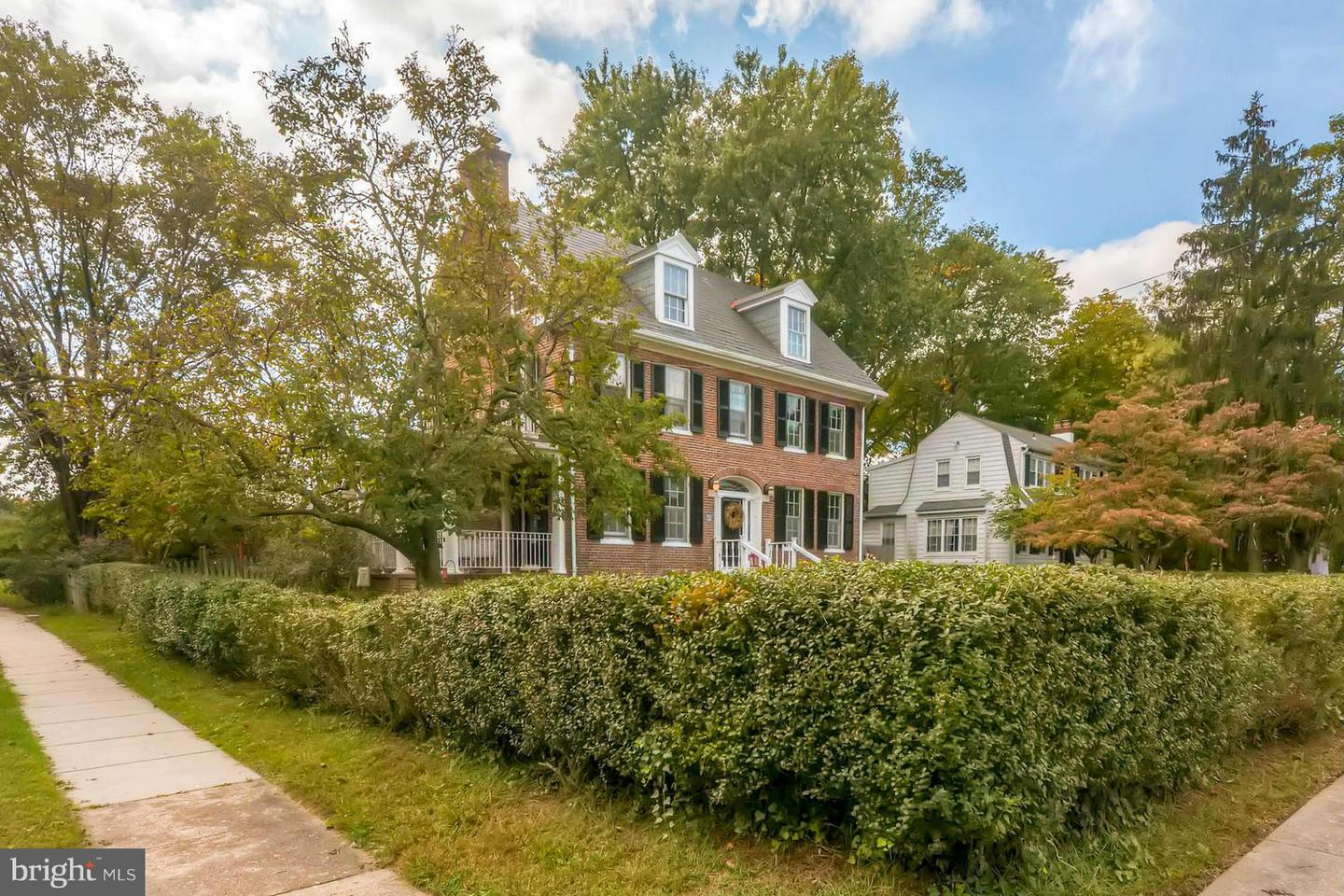 Photo of home for sale at 321 Gittings Avenue, Baltimore MD