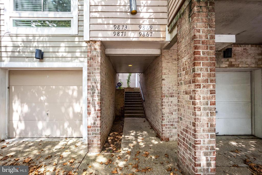 9869  LAKE SHORE DRIVE, Gaithersburg in MONTGOMERY County, MD 20879 Home for Sale