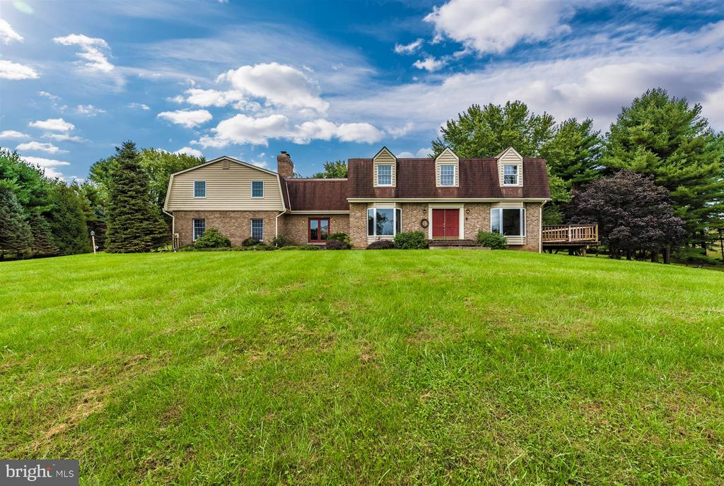 One of a kind Dutch Colonial! - 12403 HILL CT, MOUNT AIRY