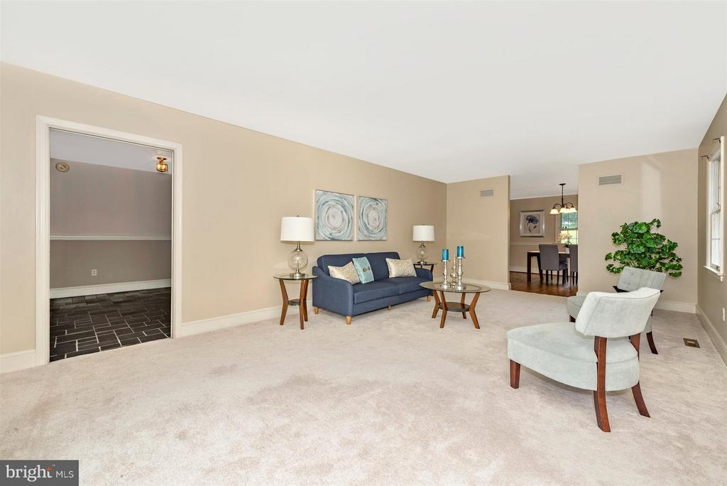 13 x 21 ft! - 12403 HILL CT, MOUNT AIRY