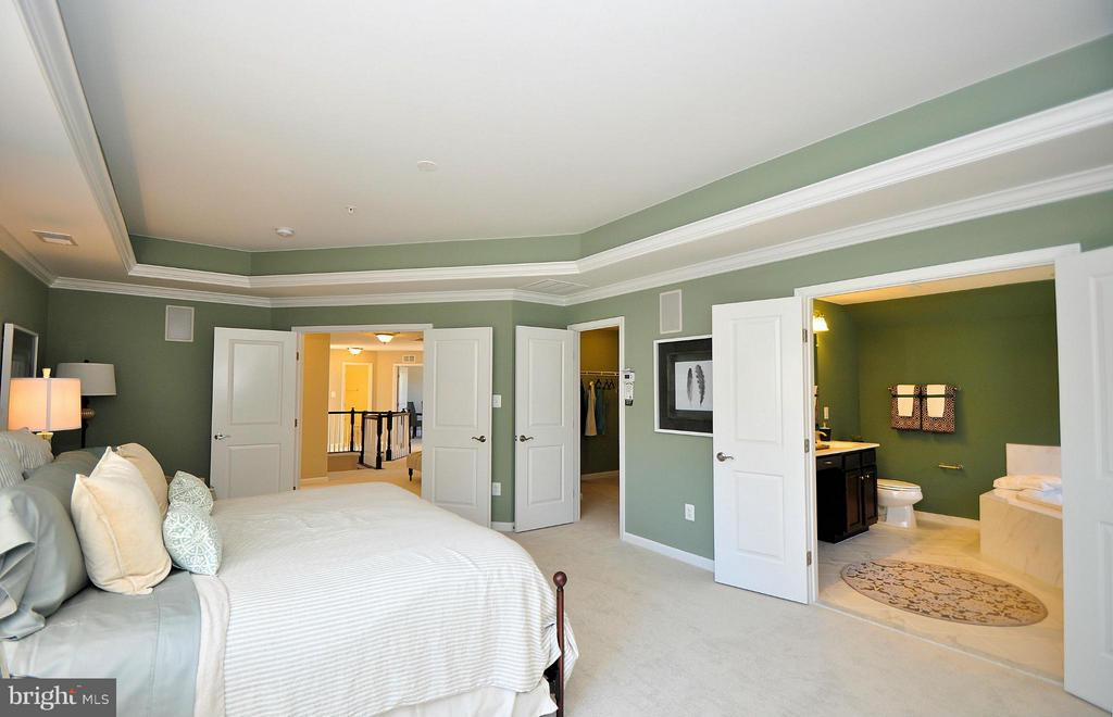 Bedroom (Master) - 724 NORTH CHANNEL DR, GLEN BURNIE