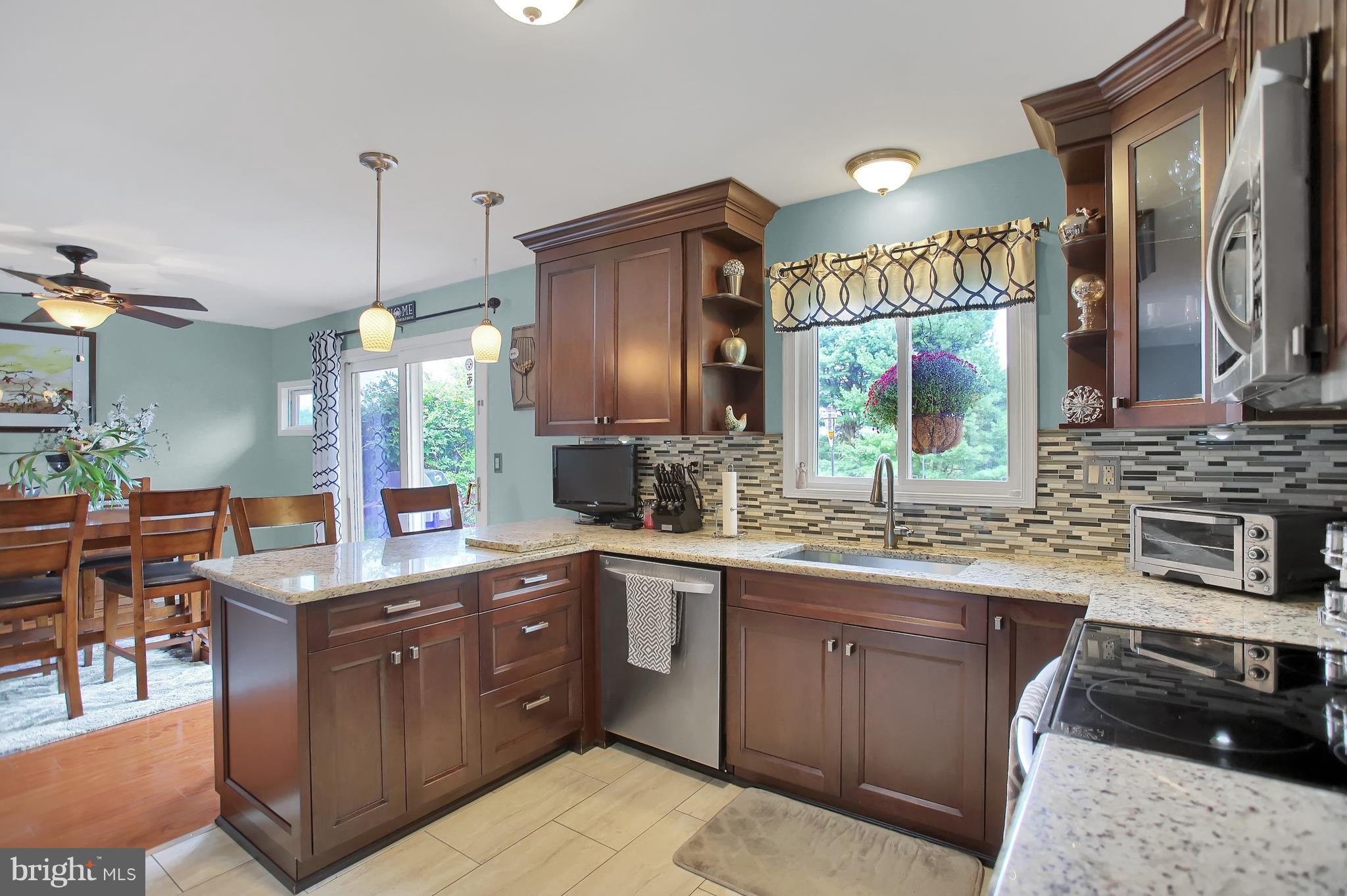 New  Kitchen , Granite Countertops, SS Appliances