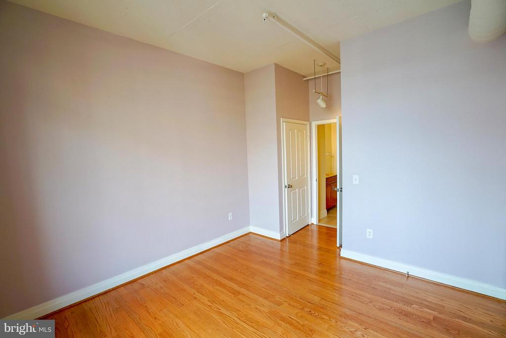 Second bedroom (the paint has been changed) - 1205 GARFIELD ST #408, ARLINGTON