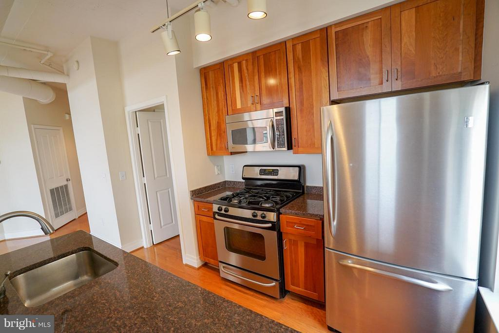 Granite countertops - 1205 GARFIELD ST #408, ARLINGTON