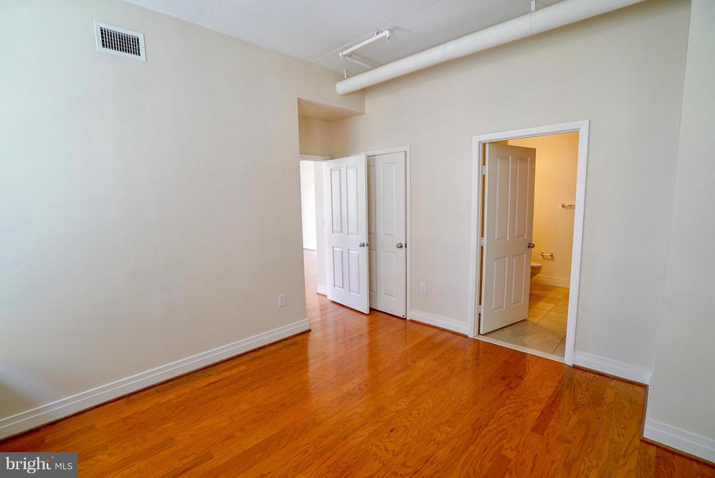 Master bedroom - 1205 GARFIELD ST #408, ARLINGTON