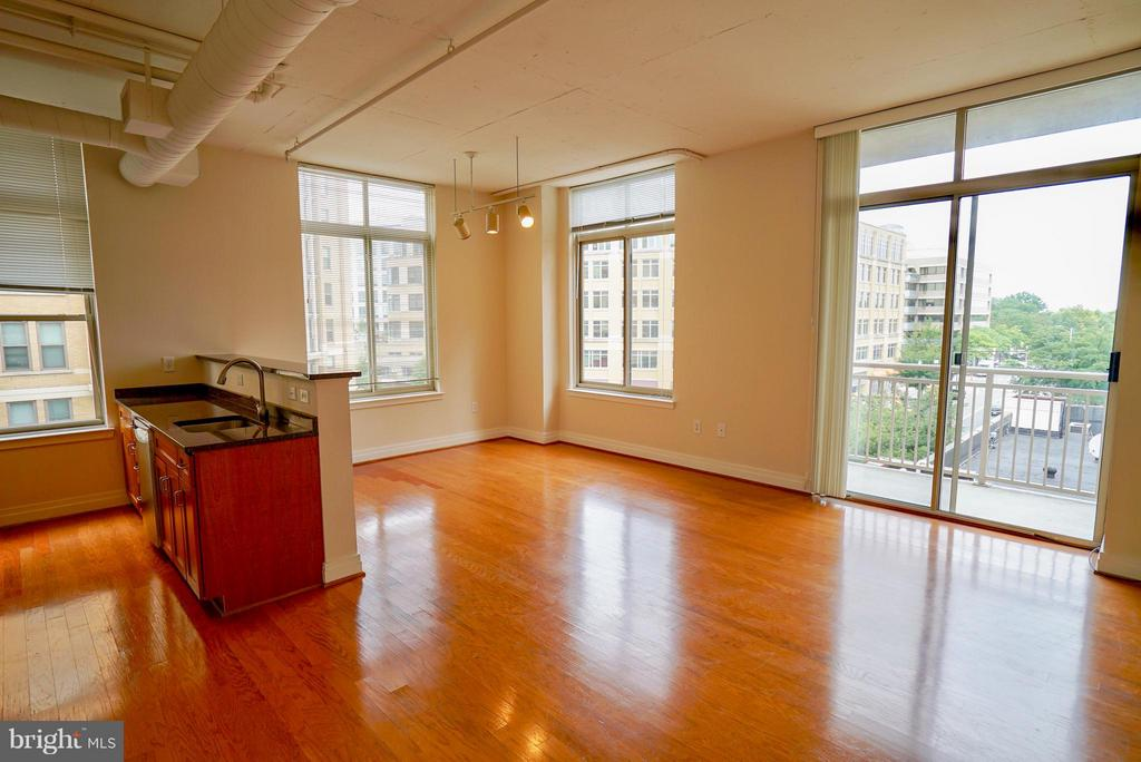 Open floor plan - 1205 GARFIELD ST #408, ARLINGTON